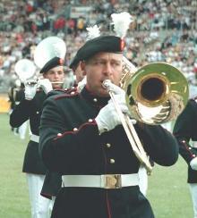Bastrombonist John Kluts tijdens het WMC 2001