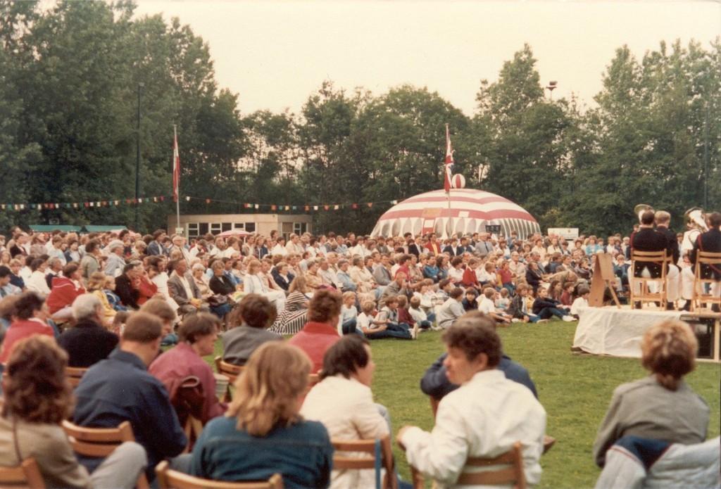 Veel publiek bij het tuinfeest t.g.v. het 55 jarige bestaan
